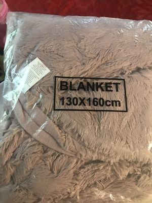 Faux fur blanket for Sale in Grand Prairie, TX