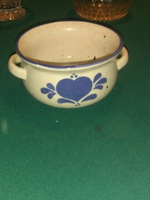 1986 double handle soup bowl for Sale in Cleveland, OH