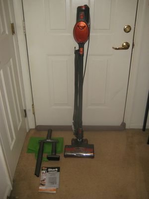 Shark, upright vacuum cleaner for Sale in Chesapeake, VA