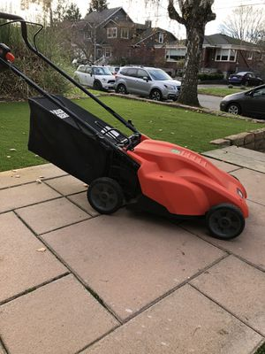 Black and Decker cordless lawn mower for Sale in Seattle, WA