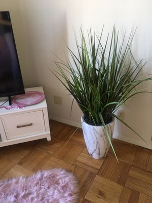 Large marble faux plant for Sale in Los Angeles, CA