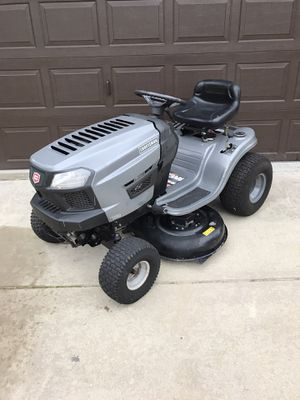 2016 CRAFTSMAN T1000 TRACTOR 42 INCH RIDING LAWN MOWER for Sale in Clermont, FL