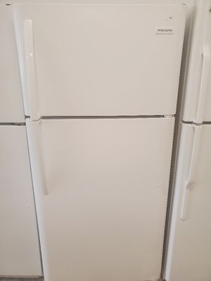 Frigidaire top freezer refrigerator used in good condition with 90 day's warranty for Sale in Mount Rainier, MD