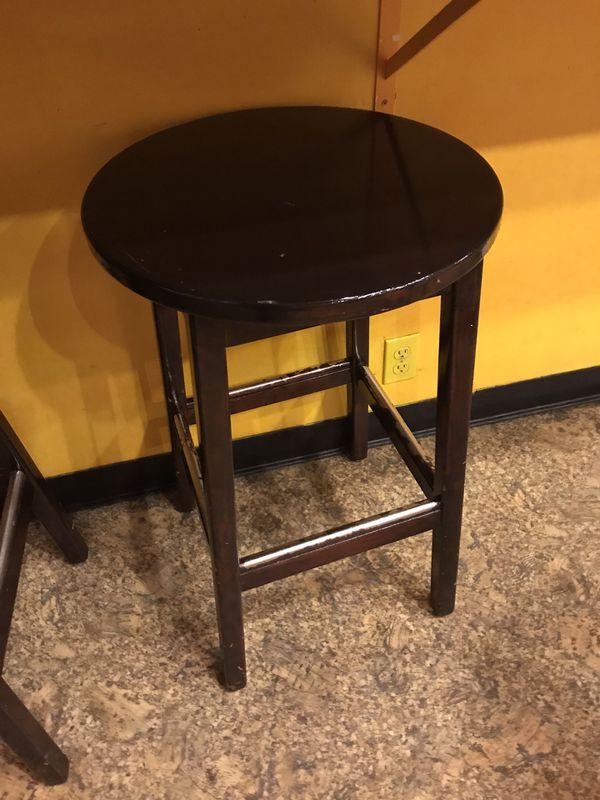 7 Wood bar stools