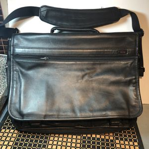 "Tumi Alpha 16"" Expandable Napa Leather Briefcase Messenger Bag 96071 D4 for Sale in New York, NY"