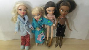 Lot 6 bratz dolls for Sale in Citrus Heights, CA