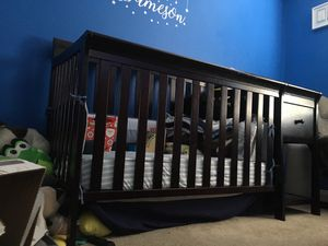 New Used Crib With Changing Table ! for Sale in Corona, CA
