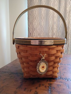 Longaberger 2005 Bee Basket for Sale in Jacksonville, NC