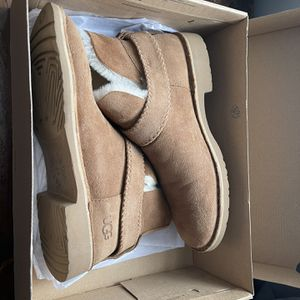 Lightly Work Ugg McKay Boots for Sale in Stratford, CT