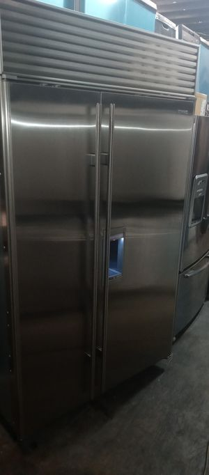 SUBZERO 48 BIULT IN REFRIGERATOR WORKS GREAT for Sale in Laguna Hills, CA