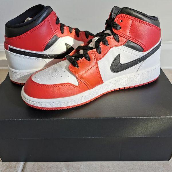 Jordan 1 mid Chicago gs sz 5y