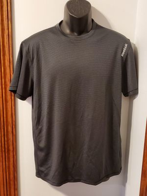 Reebok Athletic Shirt for Sale in Middletown, MD