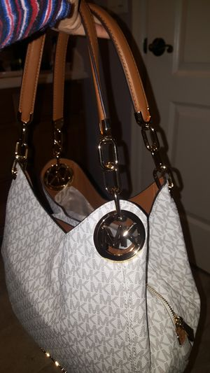 Michael kors size large for Sale in TOLLESON, AZ