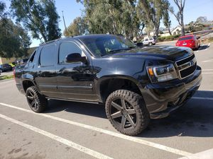 2007 Chevy Avalanche for Sale in Santa Ana, CA