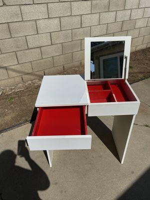 Vanity / desk✅Firm on Price ✅ for Sale in La Habra, CA