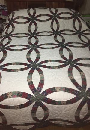 Queen Size Handmade Wedding Ring Quilt for Sale in Los Angeles, CA
