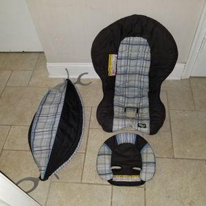 Graco car seat cover for Safe seat infant baby carrier car seats for Sale in Philadelphia, PA