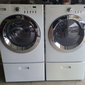 Frigidaire Washer And Gas Dryer Sensor Steamer, Pedestal Drawer Included, Excellent Working Condition, Very Strong Machine for Sale in Walnut, CA