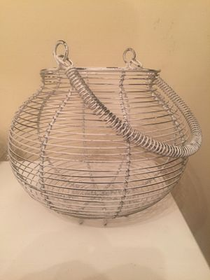 Large wire basket for Sale in White Plains, NY
