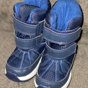 Toddler 7c Snow Boots for Sale in Philadelphia, PA