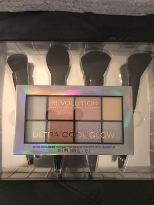 """🆕TruBeauty/Revolution London Makeup """"Face Brush Set&Ultra Cool Glow Palette 🎨 for Sale in Beverly Hills, CA"""