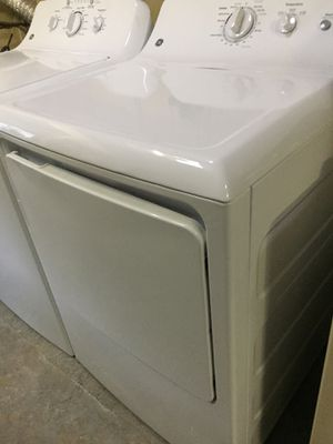 Washer & dryer electric GE HE Deepfill King capacity w/d set. Mint. Like new. for Sale in Lutz, FL