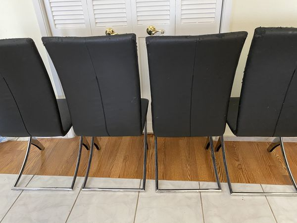 Free Dining Chairs (4)