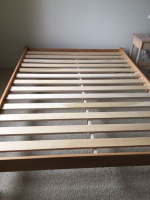 Bed frame queen. for Sale in Los Angeles, CA