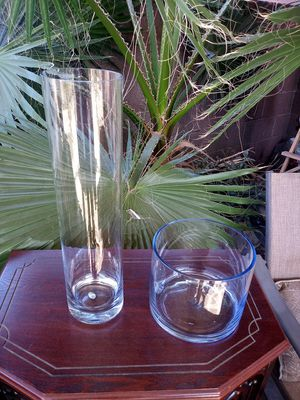 lot of 2 glass decorative bowls vase for Sale in Norwalk, CA