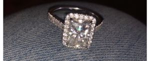 3 ct emerald size 7 ring wedding for Sale in Waterbury, CT