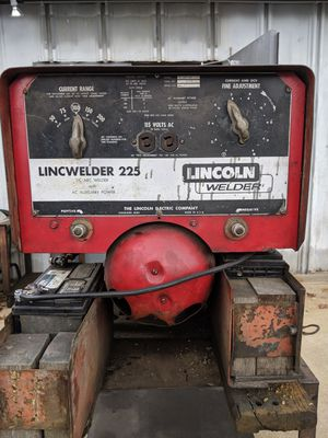 Lincoln Welder 225 Electric for Sale in Hammonton, NJ