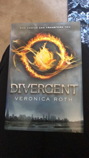 Divergent Book 1 for Sale in Greenwood, MO