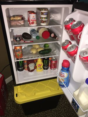 Mini fridge / INSIGNIA only 2 months used $95 for Sale in Colma, CA