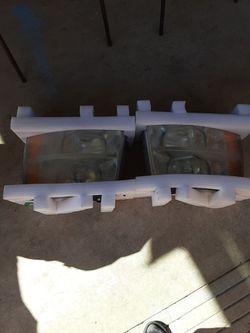 Used 2007-2013 Chevy Silverado Headlights for Sale in San Antonio,  TX