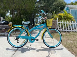 """26"""" Margaritaville Ladies Cruiser Bike with Gears for Sale in Clearwater, FL"""