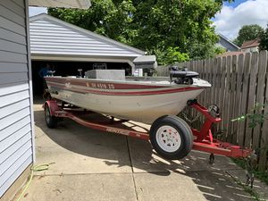 19ft Sylvan deep V with 25hp evinrude for Sale in WILOUGHBY HLS, OH