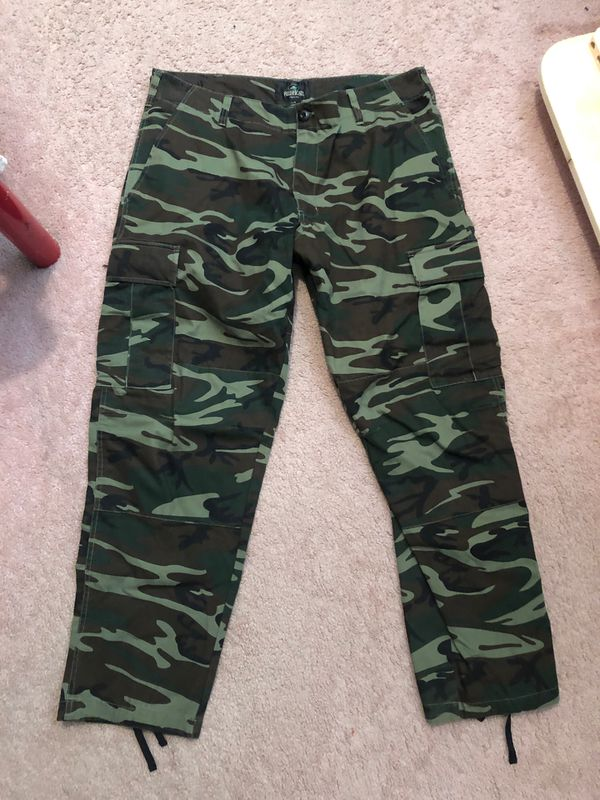 Army camo pants sz L- new without tags -$20