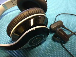 2 pairs of Loud Bluetooth wireless Headphones - sony and mpow In ear and over ear for Sale in Fresno, CA