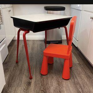 Kid Desk for Sale in Huntington Beach, CA