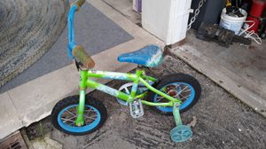 Kids bike with training wheels for Sale in Temple City, CA