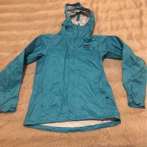 RAIN JACKET PATAGONIA WOMENS SMALL for Sale in San Diego, CA