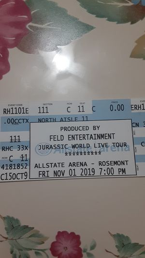 8 JURASSIC WORLD TICKETS for Sale in Chicago, IL
