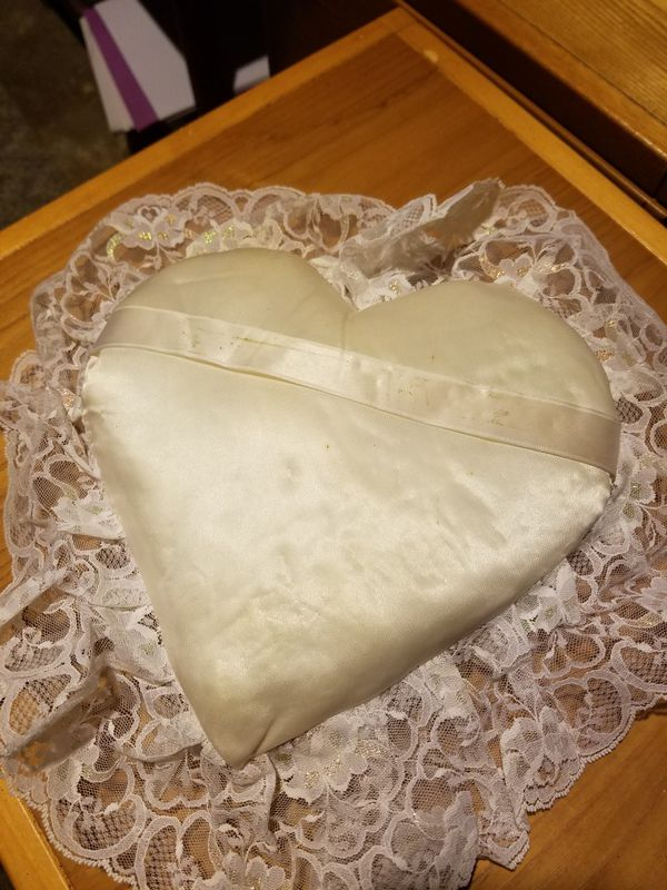 New wedding ring pillow