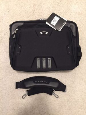 Oakley Messenger Laptop Bag for Sale in Arcadia, CA