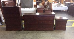 3 piece dresser set for Sale in Lugoff, SC