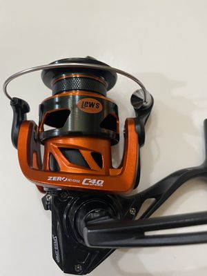 Lew's Mach Crush Speed Spin MCR-200 spinning fishing reel for Sale in Alvin, TX