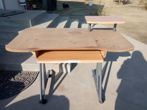 Free Desk for Sale in Cutler, CA