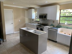 Kitchens cabinets for Sale in Hialeah, FL