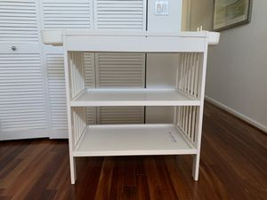 Changing Table - pick up from Brickell for Sale in Miami, FL