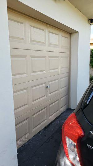 Garage door 8 x 7 feet - Good conditions for Sale in Pembroke Pines, FL